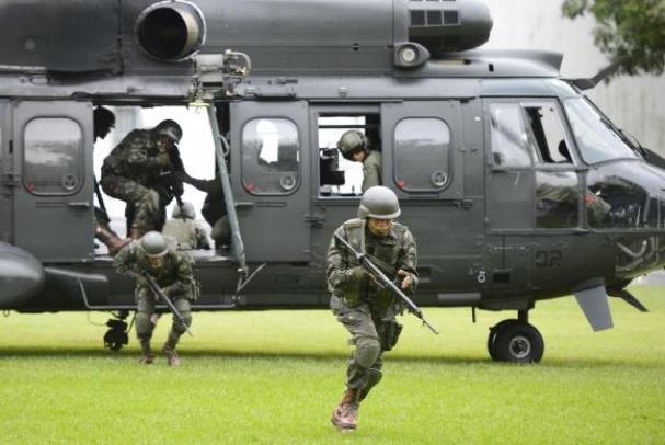 35233ed96 O evento contará com a presença de sete helicópteros do Exército.  (Arquivo Agência Brasil)