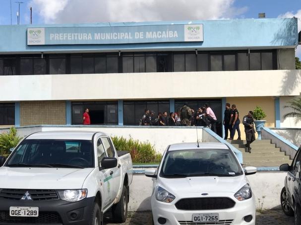 a46c01b50fa ... função pública no município de Macaíba dos investigados Rawplácido  Saraiva Maia e Valdério Barbosa Vieira