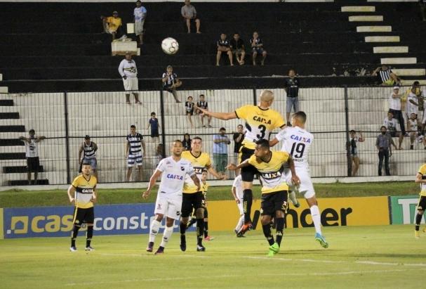7ca2618dd4 Vitória dá ainda uma sobrevida ao Abc na série B (Foto  Andrei Torres Abc  F.C.)