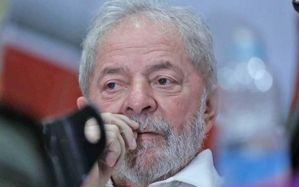 Lula permanece preso em Curitiba (Foto  Gilberto Leda) 92f73ed19e