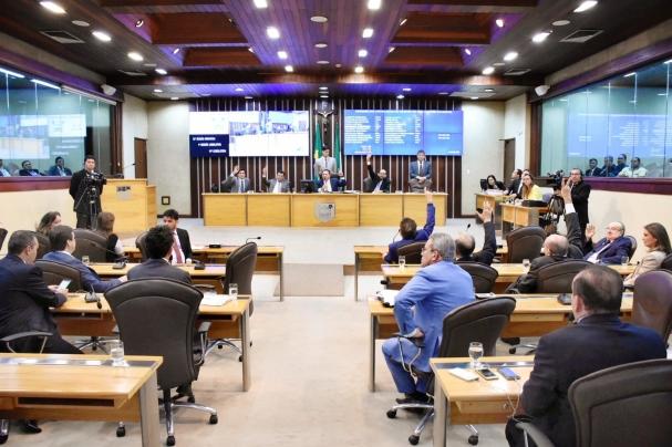 6abb20db9db04 A Lei de Diretrizes Orçamentárias orienta a elaboração da Lei Orçamentária  Anual (LOA) dispondo sobre as alterações na legislação tributária e  estabelecendo ...