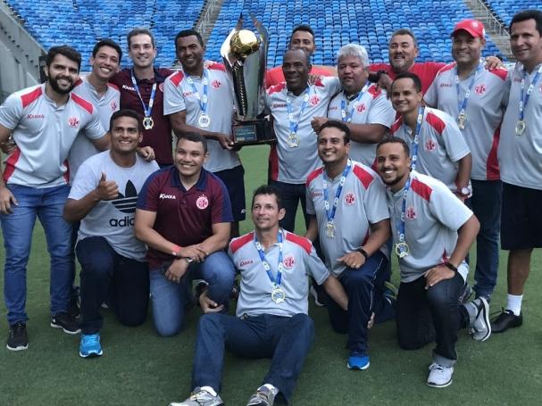 fb4ef87ee No final, o presidente da FNF José Vanildo entregou o troféu de Bicampeão  aos jogadores do América de Natal e medalhas para os jovens atletas  vencedores.