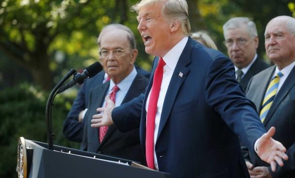 3a2d8f1c4c4 O republicano convocou a imprensa para comentar a decisão do Canadá de  embarcar no acordo comercial que os Estados Unidos já haviam negociado com  o México.