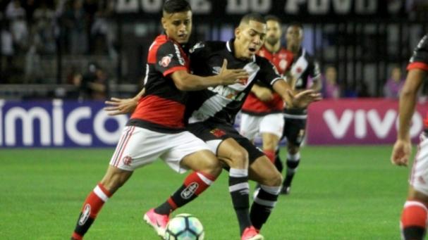 f247b586df5d8 Flamengo vai a 23 pontos na série A