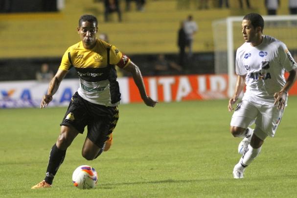 026820fef96ae Criciúma vence o Abc por 2 x 1 e time alvinegro mantém penúltimo lugar na  tabela