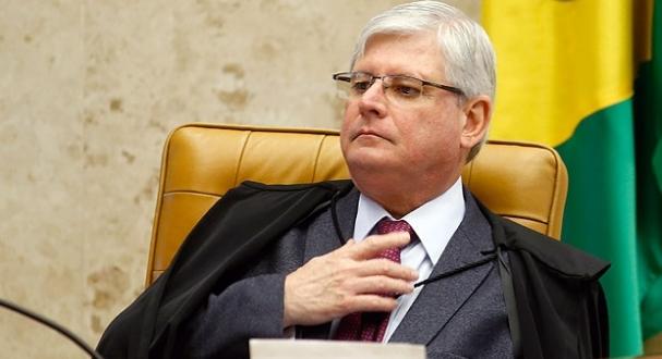 Para a equipe de Janot, houve patente descumprimento de dois pontos de uma  cláusula do acordo de delação. (Foto  Folha de São Paulo) 4f5921b3c1